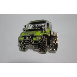 Original Mercedes-Benz Unimog Pin gelb / grün Anstecknadel Ansteckpin