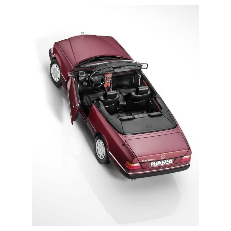 original mercedes benz 300 ce 24 cabriolet almndinrot a124 modellauto 1 18 von norev hammer. Black Bedroom Furniture Sets. Home Design Ideas